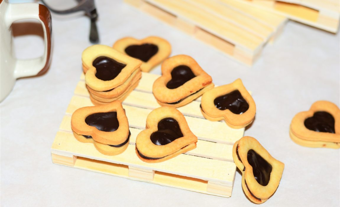 Little love – Petits cœurs sablés et ganache chocolat-vanille